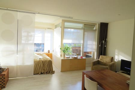 Luxurious studio in great area!