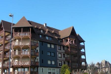 Appart centre Deauville terrasse - Apartment