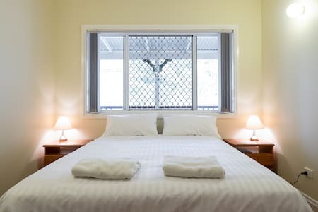 Luxury Tranquil Private White Room - Cashmere - Bed & Breakfast