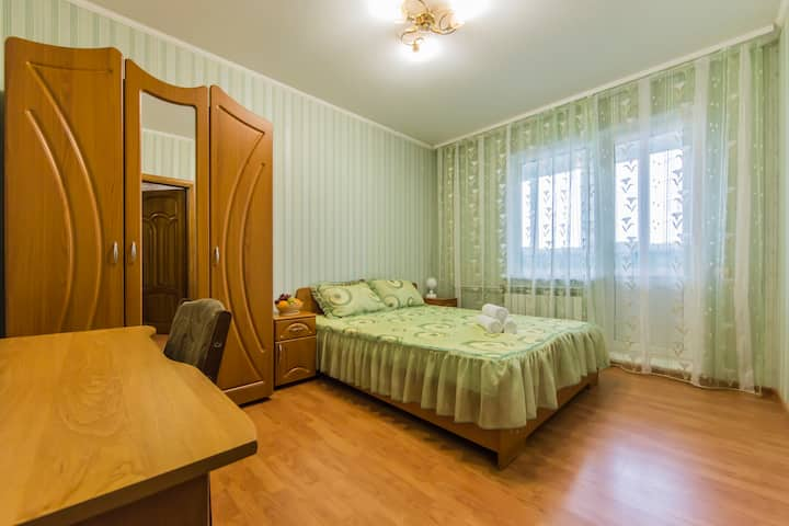 Уютная 3х комнатная квартира возле метро на 6 мест