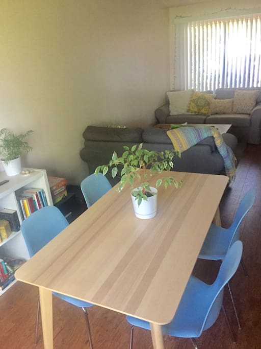 Sunny & Bright Dining Area