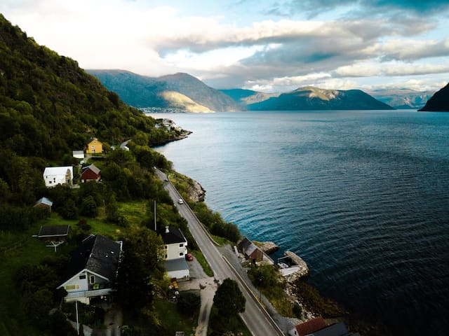 Big bright apartment with stunning fjord view