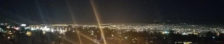 Casa Apartamento, Vista a la Ciudad, Cochera, WiFi