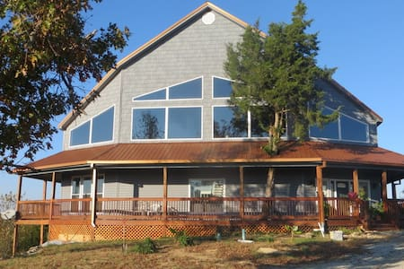 Serenity & Tranquility Lodge on Taylorsville Lake - Bloomfield - Natuur/eco-lodge