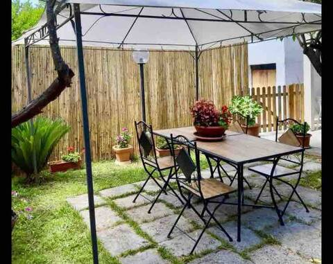 House with Garden, PET FRIENDLY! Holiday season