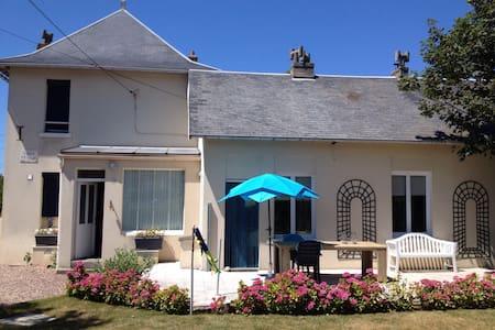 Sfeervolle villa aan zee, 4 tot 8 p - Mesnil-Val