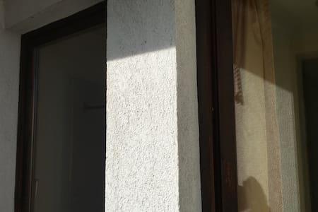 Single room in Söll with shared balcony (Z18) - Söll - Rumah