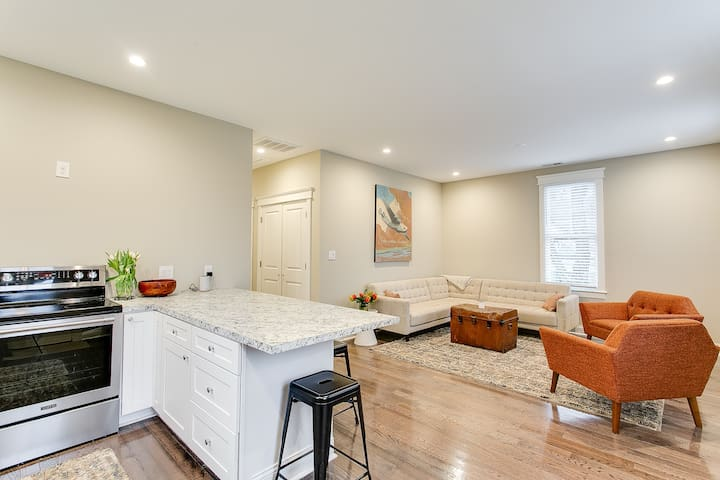 Carriage House - Crescent Hill (Frankfort Avenue)