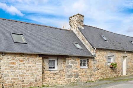 Holiday cottage with 1 bedroom on 45m² in Quemperven