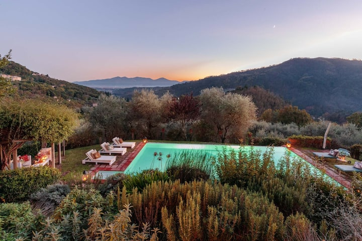 VILLA GUFO: The Place to Be. Panoramic Private Pool with a Lucca View