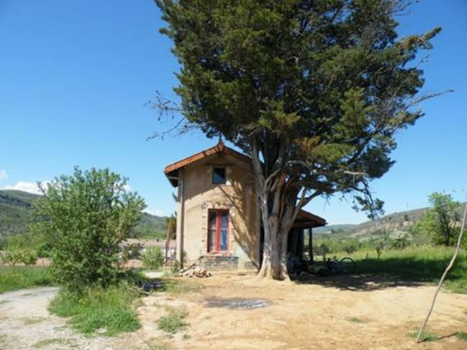 Cabane de vigne renovated witha double bedroom upstairs