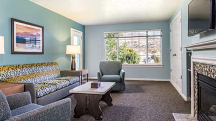 Midway condo 2 bedroom condos, No Cleaning Fee