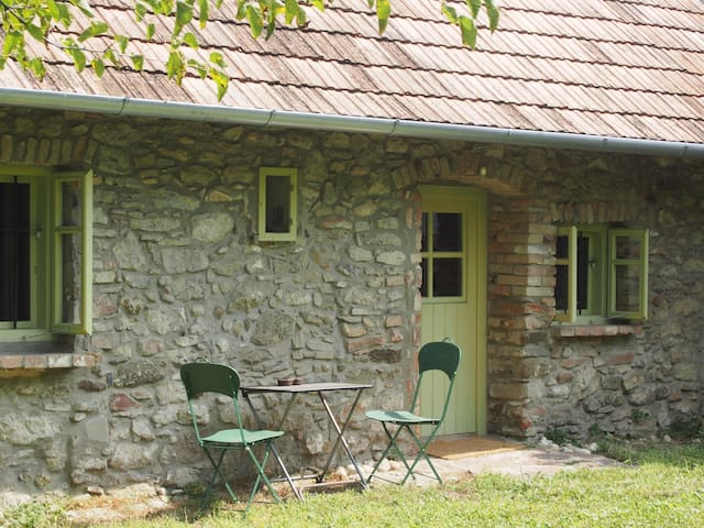 Piroska´s * small stonehouse with summer kitchen