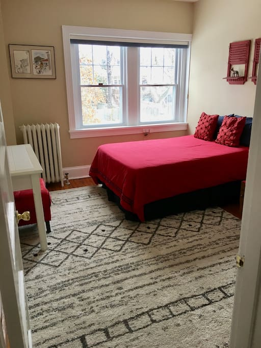 Quiet, natural light-filled room
