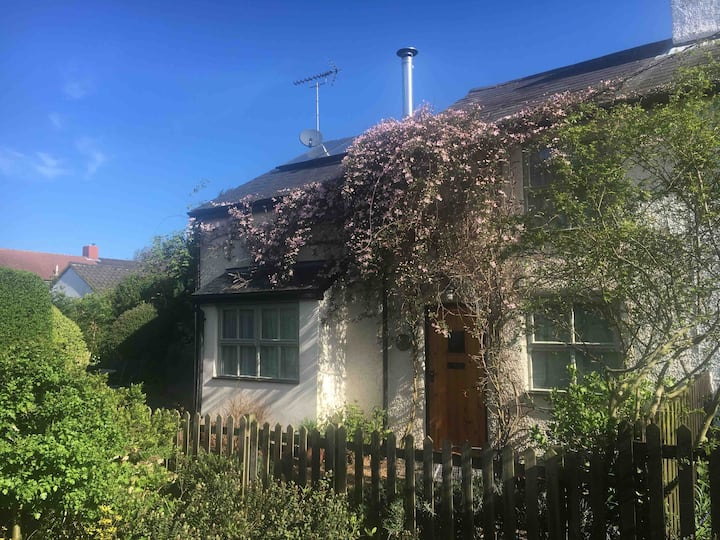 Delightful Suffolk Cottage near Pin Mill