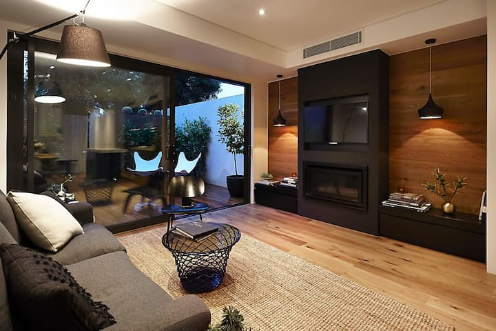 Luxury house in South Melbourne - South Melbourne - House