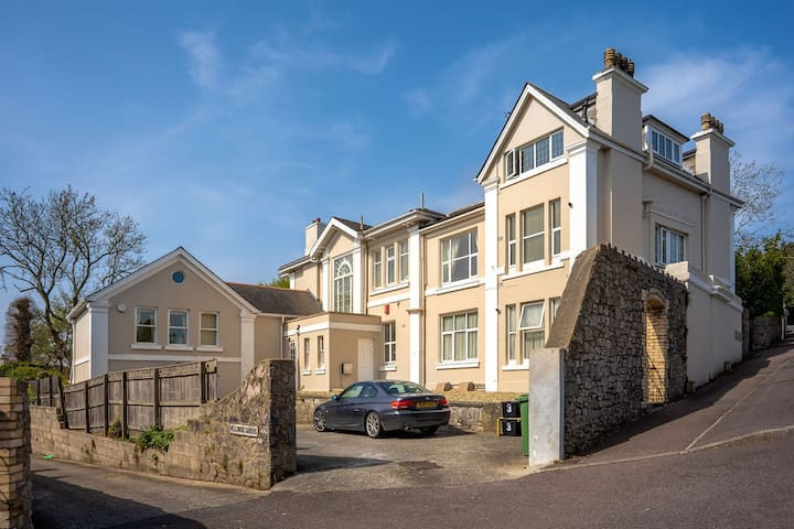 Kinbrae - Luxurious apartment, birthplace to Comedian Peter Cook (Torquay)