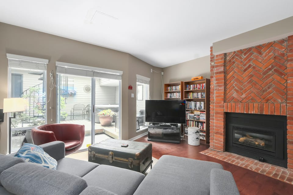 2 bed townhouse kitsilano to rent