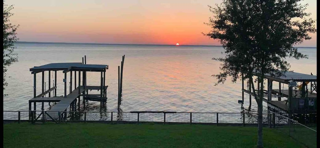 Waterfront Amazing Sunsets Open Concept