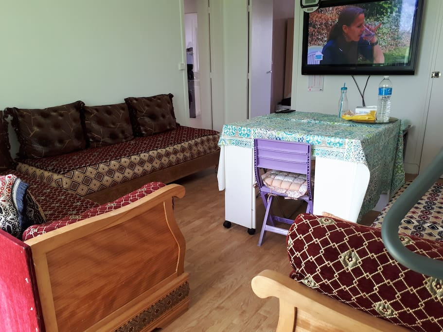 Salon avec 3 couchages (3 sédaris)