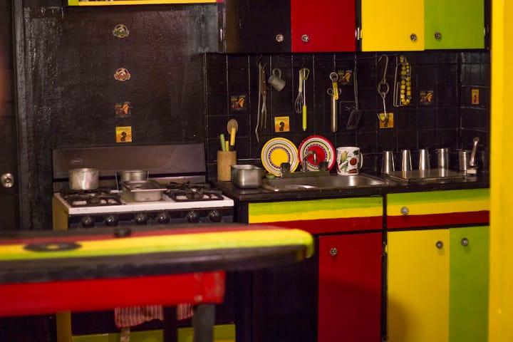 - KushArt Reggae Home -/KushArt Room