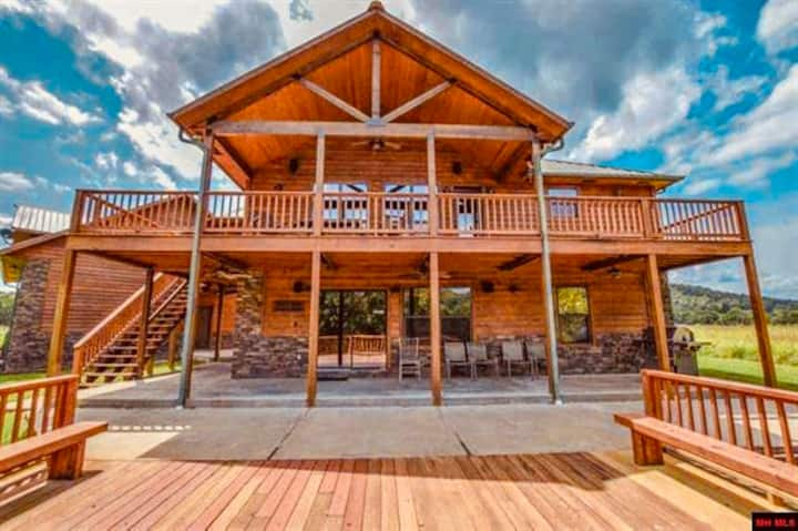 White River Cabin Getaway