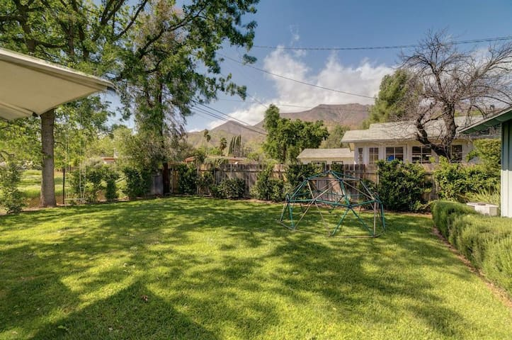 Blue House - Summer Rental in Ojai!