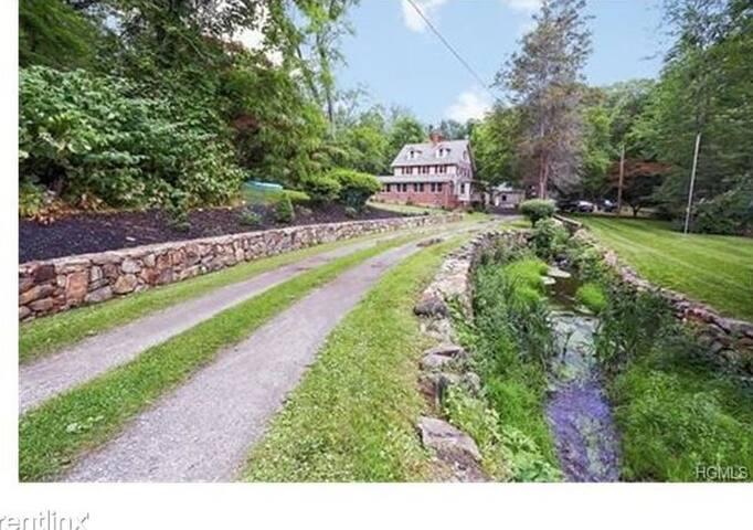 Hilltop Country Farmhouse