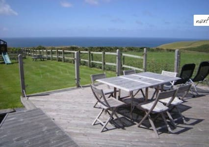 The Boatshed: studio -  sea views - sleeps 2