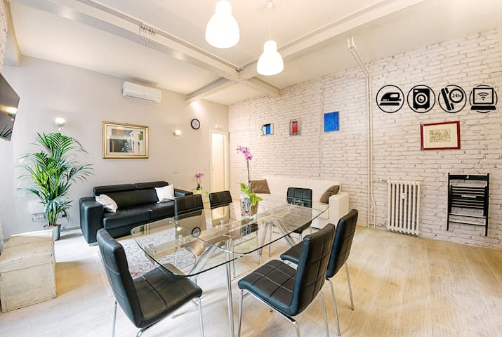 NEW!! Modern Luxury Apt in Piramide near Colosseum - ローマ - アパート