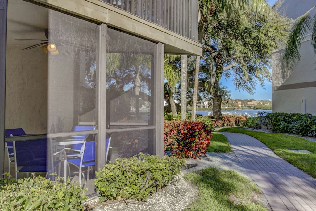 The location of this unit is awesome.  So close to the fishing pier, barbecue and picnic tables.