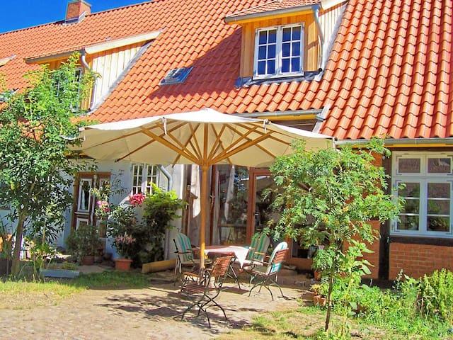 Urige Ferienwohnung im Fachwerkhaus - Wittendörp - Pis