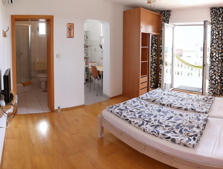 ivo apartments a5 balkon h ngematte meerblick condos. Black Bedroom Furniture Sets. Home Design Ideas