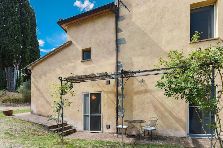 Comfortable apartment with stunning views, near hot springs