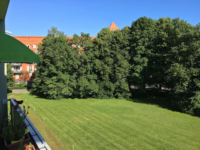 Sunny 1 Room Apartment - Munich - Departamento