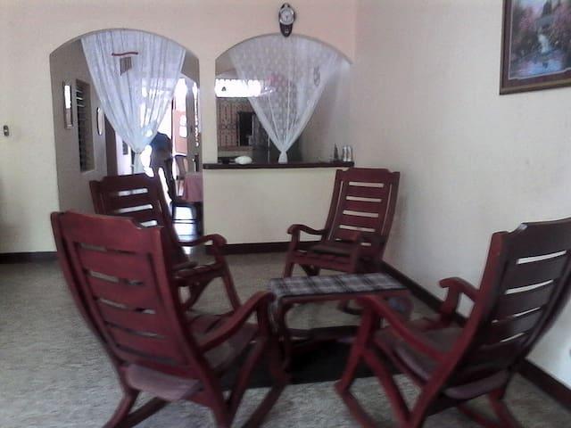 001LÑ - Grenada - Lägenhet