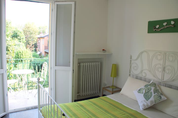 Lovely apartment with a view of the garden