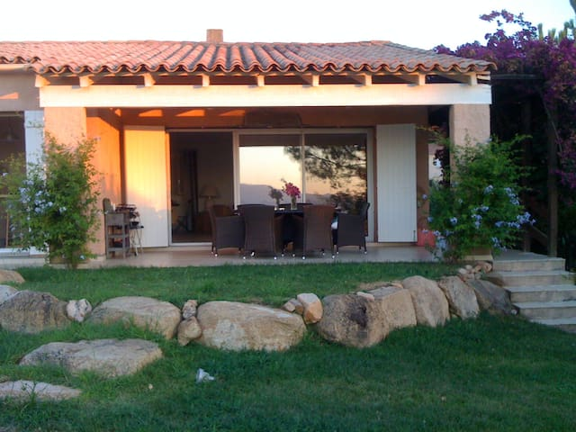 Jolie villa avec vue magnifique - Coti-Chiavari - Huis