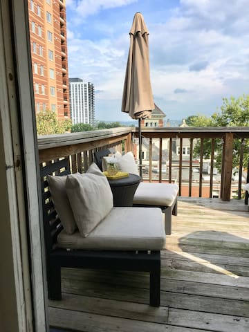 Rooftop Treehouse Charm 3-5mins from Downtown&OTR!