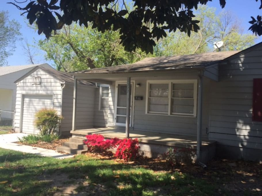 Brookside cottage houses for rent in tulsa oklahoma for Brookside cottages