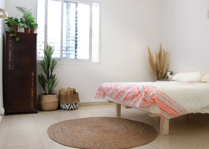♡ Boho House // 2 rooms // 1 min > Levinski Market