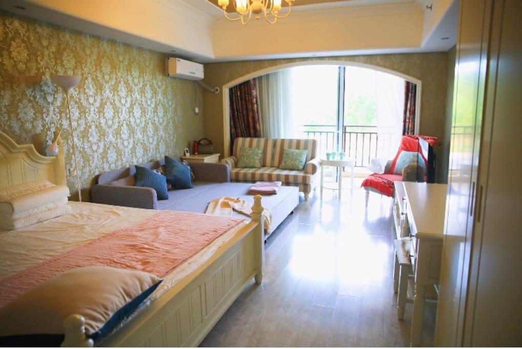 卧室沙发打开变2*1.8米床