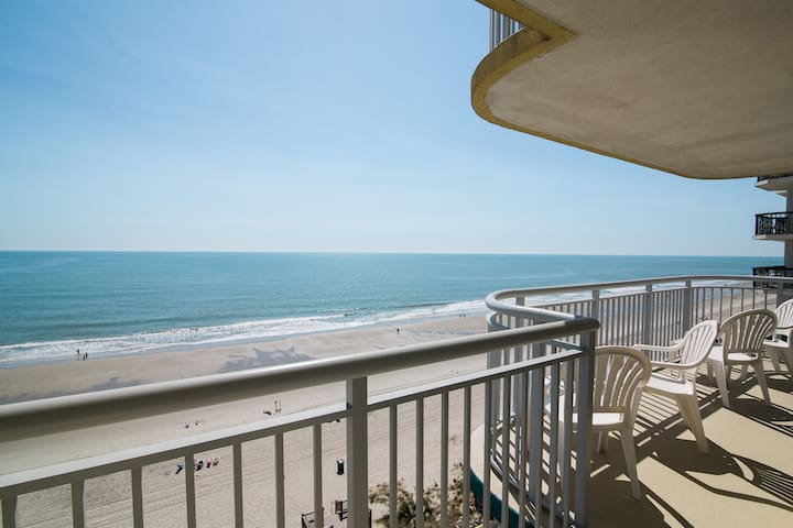 4BR/3BA, Oceanfront, Central, WIFI, many amenities