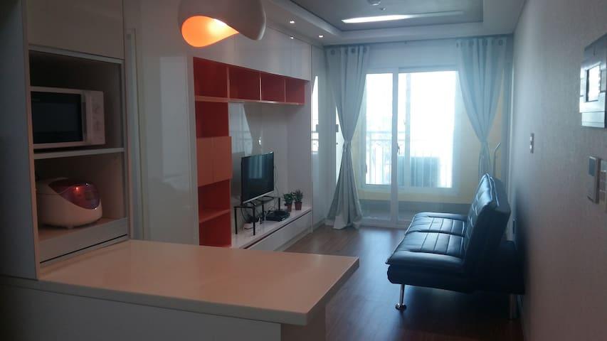 광안리 바다근처 넓고깨끗한 쓰리룸(방2+거실) Gwangalli 2bedroom house - Suyeong-gu - Apartment