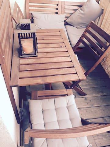 Geräumiges Zimmer in der Südvorstadt mit Balkon