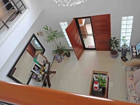 Lovely and Quiet 2 Story Home 2BR with Wi-Fi