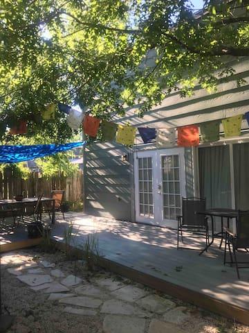 Cozy Backyard Apartment Near Downtown