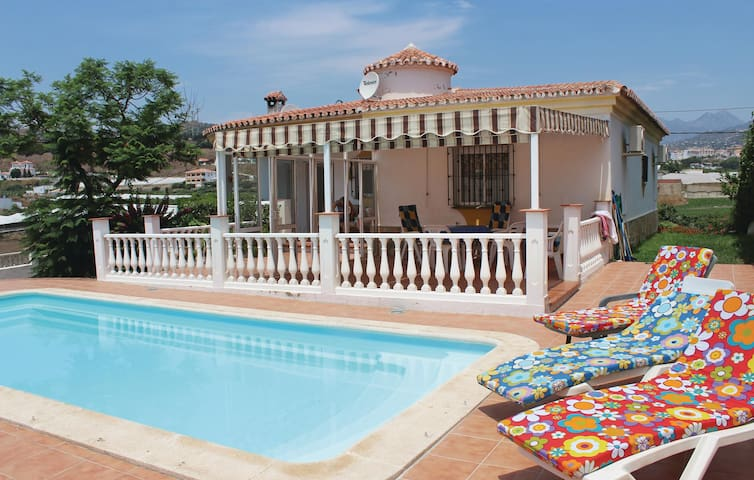 Holiday cottage with 2 bedrooms on 96 m² in Torrox Costa, Malaga