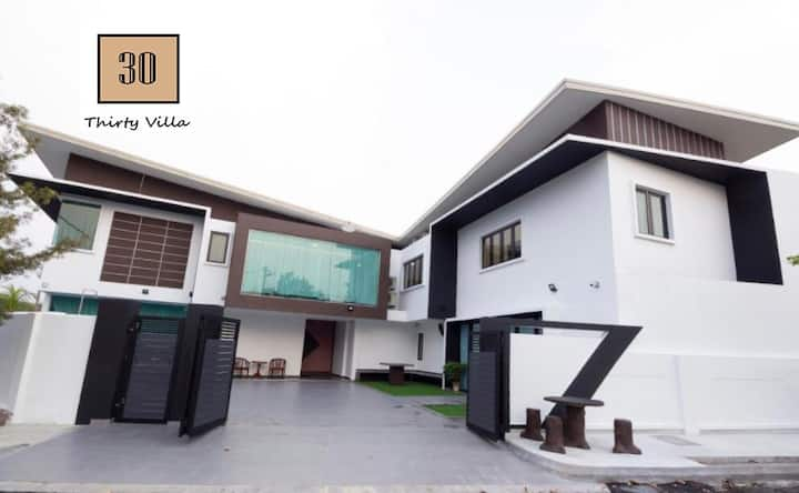 Thirty Villa@ Puchong, Homestay with pool (30pax)