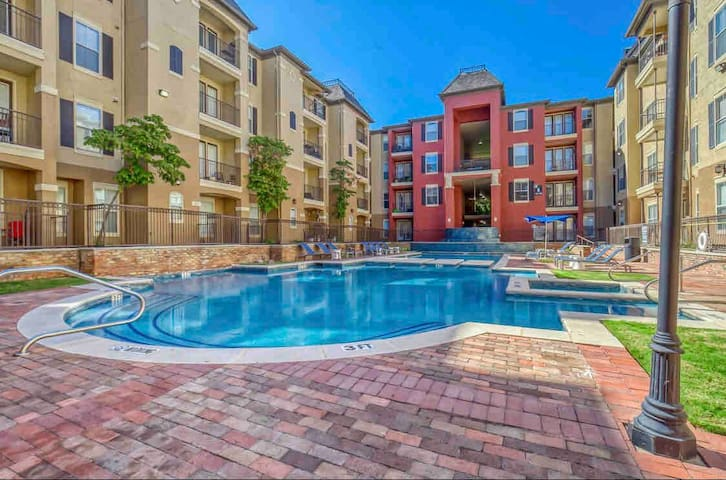 POOL IS OPEN 💕1BED CITYPLACE/WEST VILLAGE DALLAS💕